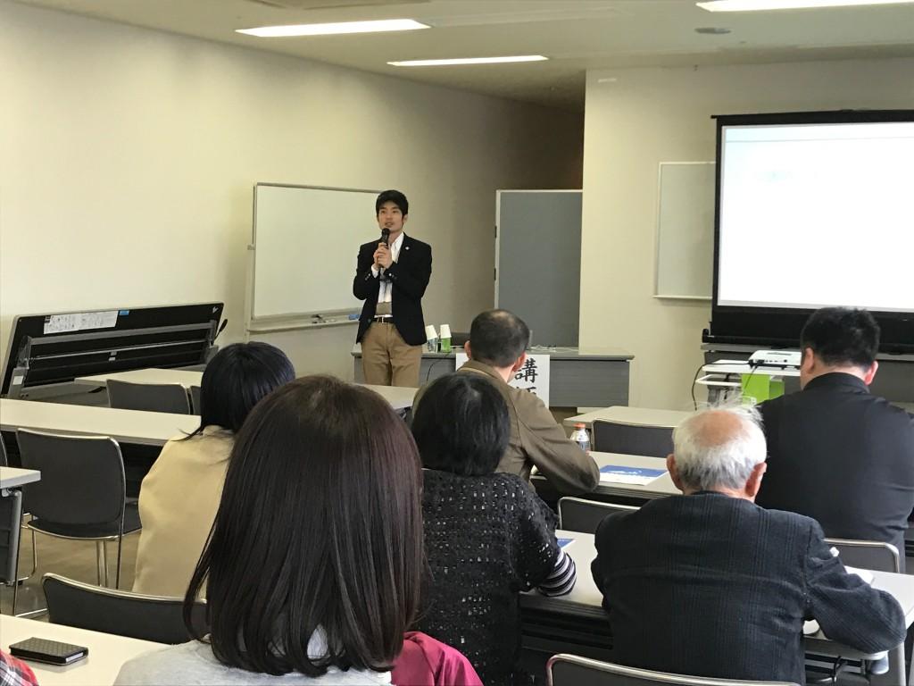 吉田さんによる講演「災害時にそれぞれのNPOができることを考える」